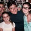 Чарли Шин налаживает отношения с детьми