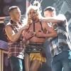 Бритни Спирс оконфузилась на сцене
