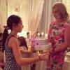 Анастасия Волочкова водит дочь по детдомам в целях профилактики