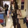 Джонни Депп прошелся по коридорам детской больницы в костюме Джека Воробья