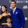 Криштиану Роналду явился на The Best FIFA Football Awards с сыном и девушкой Джорджиной Родригез