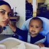 Ким Кардашян приучает годовалого сына делать селфи