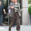 Бреда Питта в мешковатой одежде приняли за дедушку