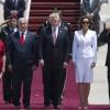 Мелания Трамп не подала руки мужу