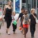 Анджелина Джоли напугала соседей переездом