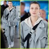 Белла Хадид вернулась в Нью-Йорк после недели моды в Париже
