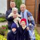 Звезда ситкома «Деффчонки» Галина Боб уже не скрывает лицо своей 5-месячной дочери