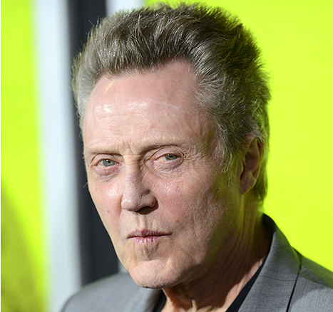 1405269784_christopher-walken-captain-hook-peter-pan_1