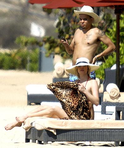 *EXCLUSIVE* Ashlee Simpson and Evan Ross bask under the sun on their Honeymoon **NO UK, Australia, New Zealand**