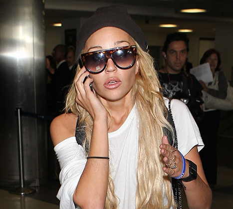1416090404_amanda-bynes-parents_1