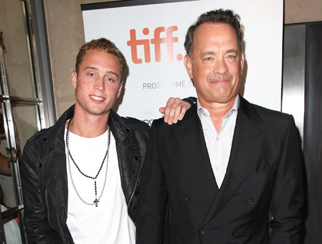 1417033598_tom-hanks-chet-hanks-article