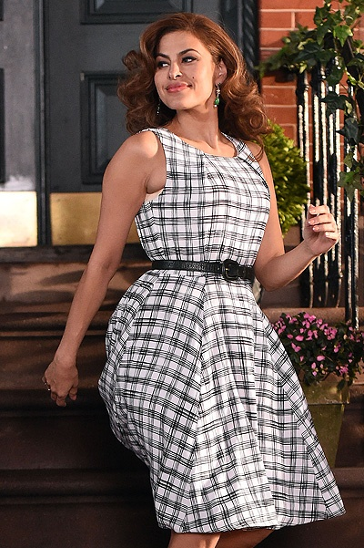 Eva Mendes shoots a commercial in NYC.