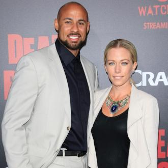 hank_baskett_and_kendra_wilkinson_901916