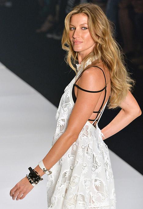 gisele-budchen-white-dress-inline