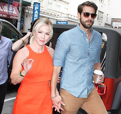 1431646802_jennie-garth-dave-abrams-article