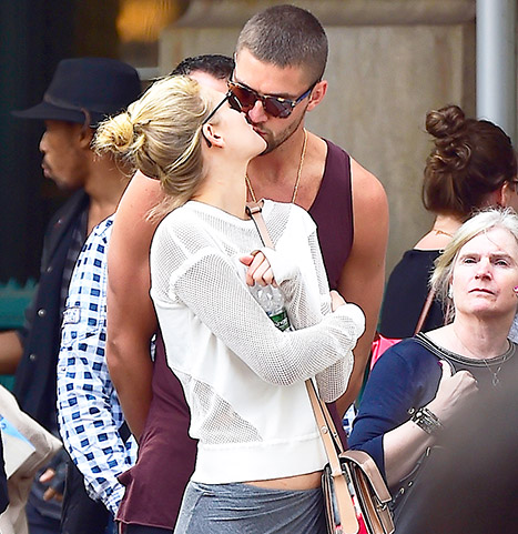 1433378783_chandler-parsons-toni-garrn-article