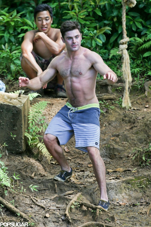 Shirtless-Zac-Efron-Rope-Swing (8)