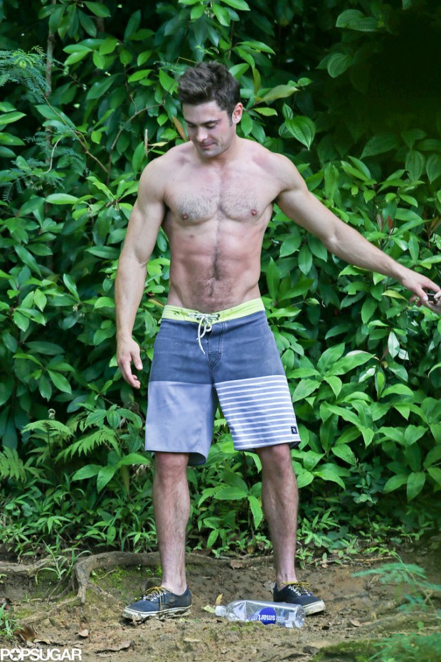 Shirtless-Zac-Efron-Rope-Swing (2)