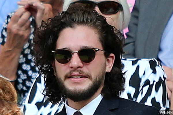 kit-harington-s-long-hair-sparks-rumors-of-his-game-of-thrones-return (1)