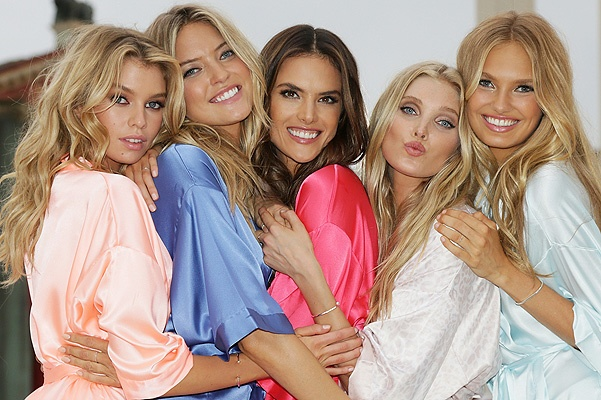 Victoria's Secret Angels Land In Rome