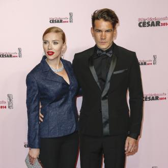 scarlett_johansson_and_romain_dauriac_999111