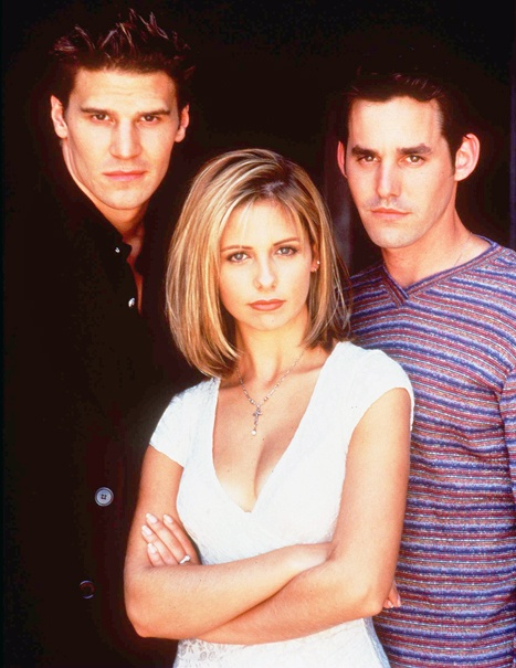 900908_David-Boreanaz-Sarah-Michelle-Gellar-Nicholas-Brendon-Buffy-The-Vampire-Slayer-467