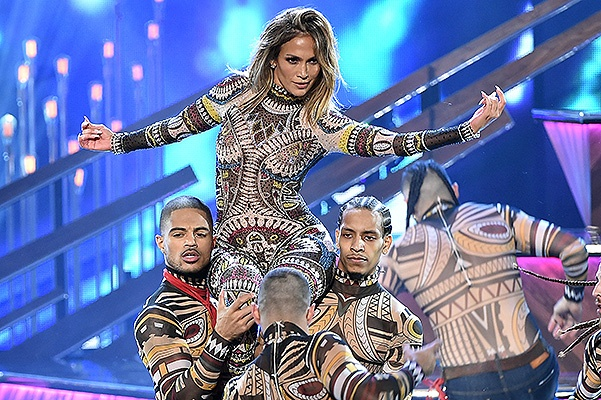 LOS ANGELES, CA - NOVEMBER 22:  Host Jennifer Lopez performs onstage during the 2015 American Music Awards at Microsoft Theater on November 22, 2015 in Los Angeles, California.  (Photo by Kevin Winter/Getty Images)