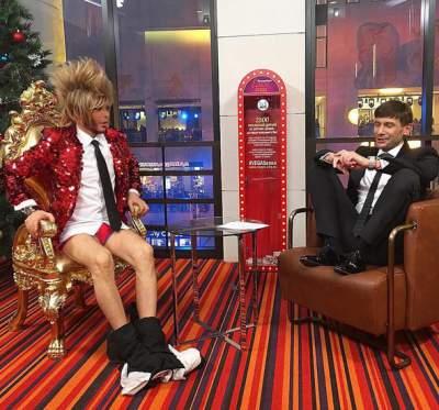 Сергей Зверев остался без штанов в прямом эфире