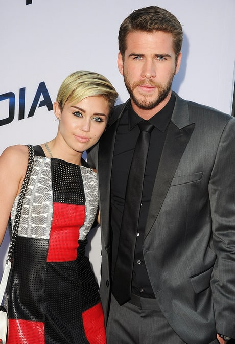 miley-cyrus-and-liam-hemsworth-2652a31f-d815-43a0-92f0-0a345ef3e086