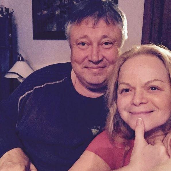 Лариса Долина шокировала большим животом в Сочи