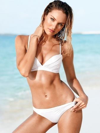 Victoria's Secret представили лукбук новой коллекции купальников