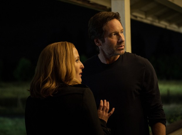 rs_1024x759-160111063812-1024.the-x-files-gillian-andersosn-david-duchovny-mulder.ch.01116