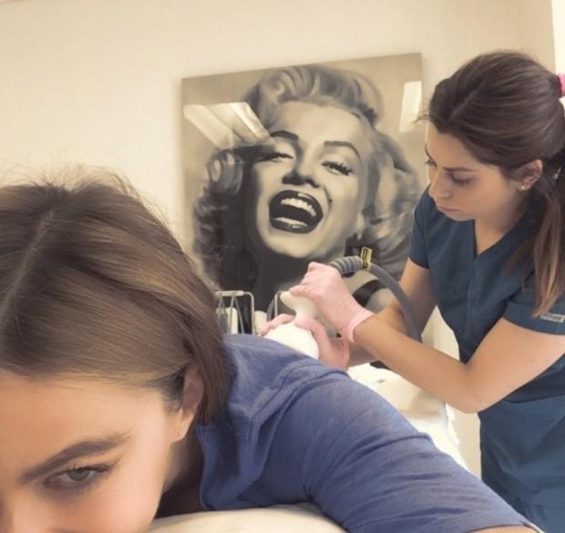 То самое фото: София во время массажа
