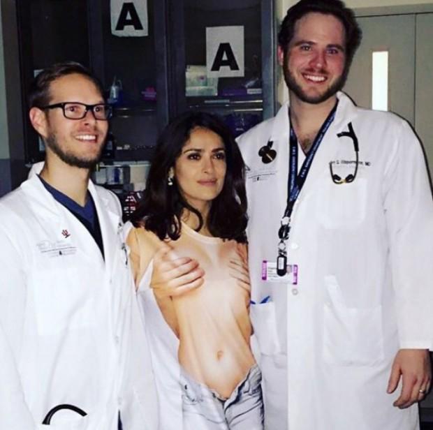 Сальма Хайек попала в больницу с травмой головы