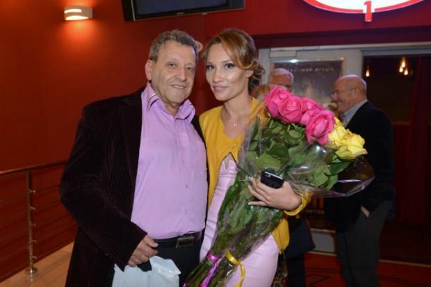 Борис Грачевский увез молодую жену к морю