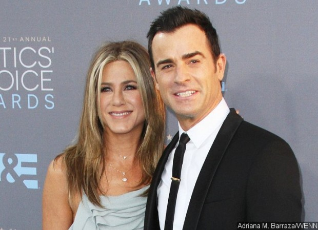 jennifer-aniston-and-justin-theroux-visit-mexican-orphanage