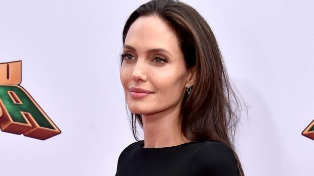 Анджелина Джоли призналась, что не думала становиться матерью