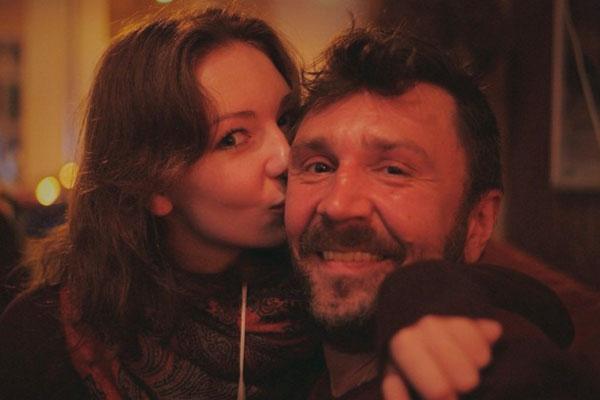 Сергей Шнуров прокомментировал свадьбу дочери стихотворением
