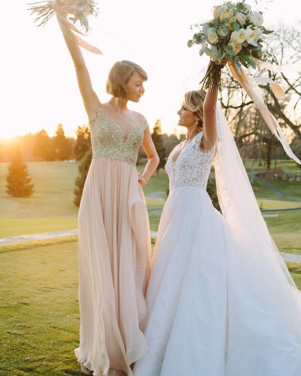 Тейлор Свифт впервые стала дружкой на свадьбе подруги