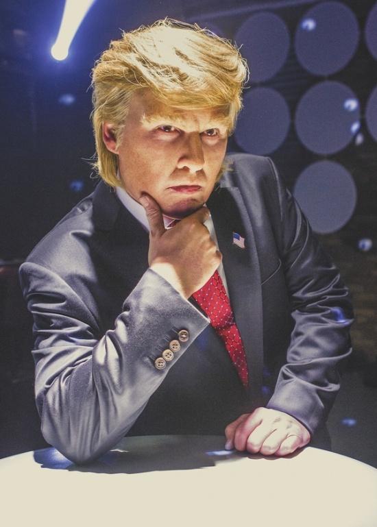 Джонни Депп в образе Дональда Трампа
