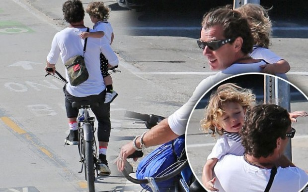 gavin-rossdale-gwen-stefani-divorce-baby-apollo-bike-no-helmet-seat