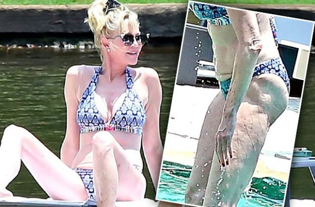 melanie-griffith-bikini-butt-cellulite-mexico