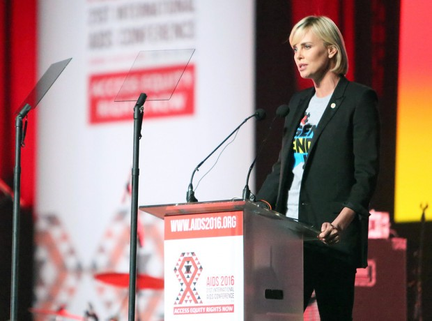 rs_1024x759-160718173804-1024.Charlize-Theron-AIDS_Conferrence-South-Africa.ms.071816