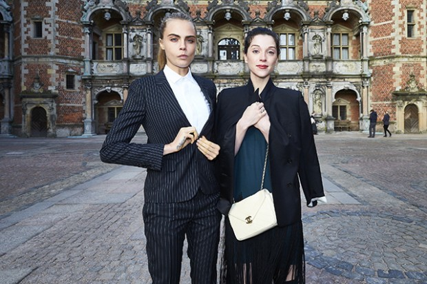 HILLEROD, DENMARK - MARCH 19:  Cara Delevingne and Annie Clark attend the 'Jonathan Yeo Portraits' exhibition opening at the Museum of National History at Frederiksborg Castle on March 19, 2016 in Hillerod, Denmark.  (Photo by Schiller Graphics/Getty Images)