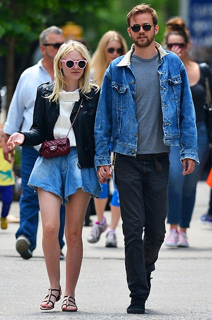 119145, Dakota Fanning seen out with boyfriend Jamie Strachan in SoHo, New York City. New York, New York - Sunday May 18, 2014. Photograph: ? PacificCoastNews. Los Angeles Office: +1 310.822.0419 London Office: +44 208.090.4079 sales@pacificcoastnews.com FEE MUST BE AGREED PRIOR TO USAGE