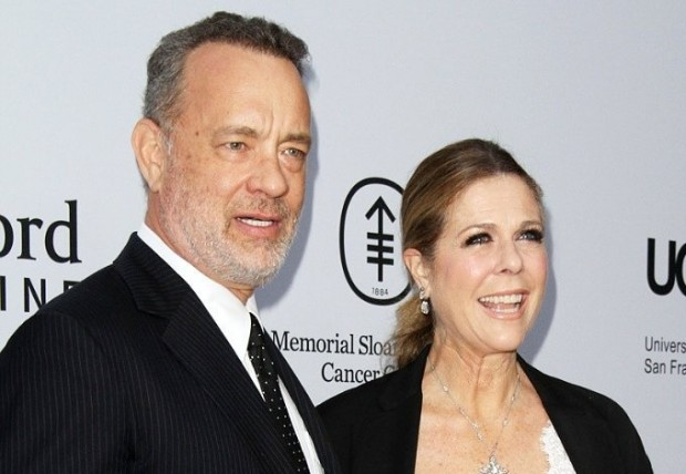 tabloids-apologize-to-tom-hanks-and-rita-wilson-for-false-divorce-stories