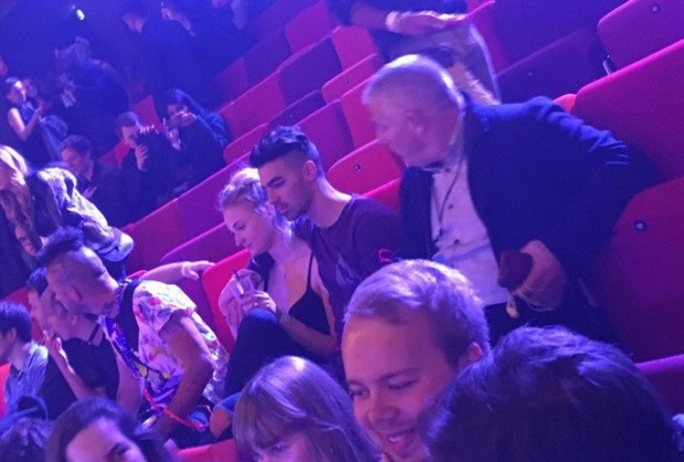 joe-jonas-caught-cozying-up-to-sophie-turner-at-mtv-emas-2016