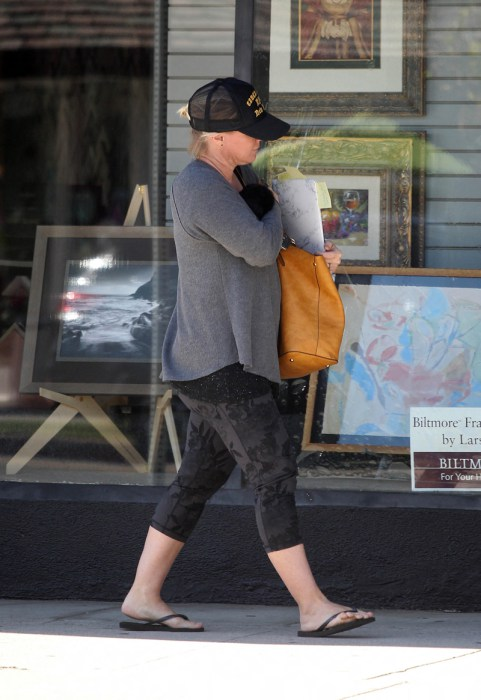 EXCLUSIVE ALLROUNDERJennie Garth was spotted make up free, out and about in Studio City Featuring: Jennie Garth Where: Studio City, California, United States When: 09 Nov 2016 Credit: WENN.com