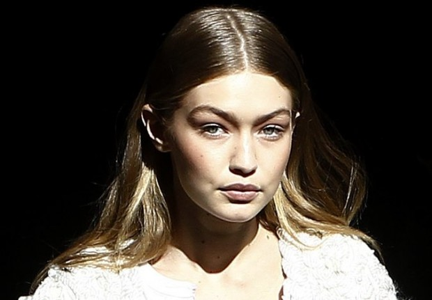 gigi-hadid-allegedly-gets-bullied-by-other-victoria-s-secret-models-ahead-of-big-show