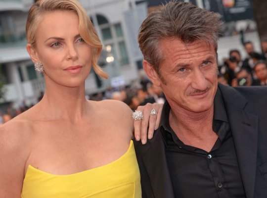 charlize-theron-sean-penn-movie-flop-last-face-pp-